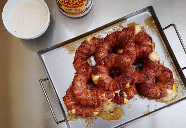 Bacon lökringarna är klara