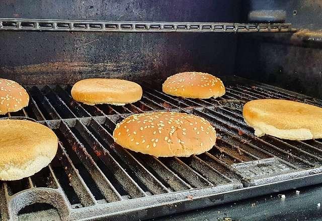 Värmer hamburgerbröd