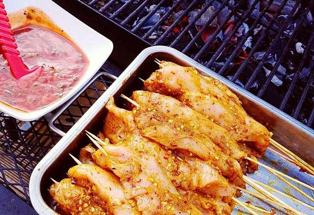 Kycklingspett och chilisåsen