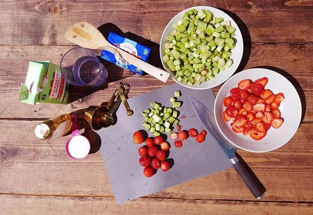 paj ingredienser till rabarberpaj