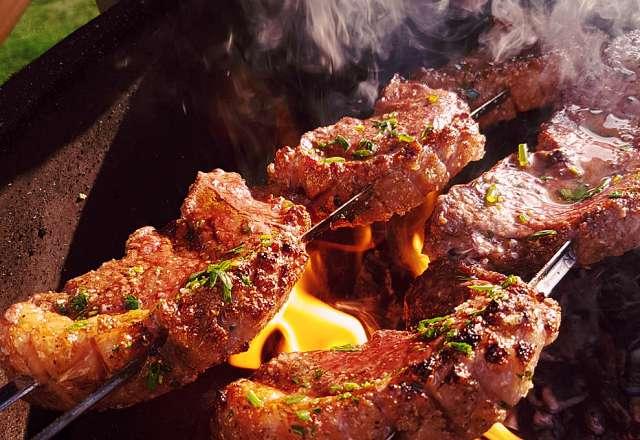 Direkt grillning och pensling av Picanha
